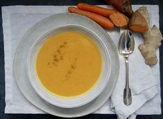 Velouté de carottes et patates douces au lait de coco Le Curry, Fondue, Cantaloupe, Cheese, Ethnic Recipes, Dressing, Cream Soups, Milk, Seasonal Recipe
