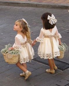 A line Long Sleeve Lace Flower Girl Dresses Above Knee Scoop Bowknot Baby Dress on sale – PromDress.uk A line Long Sleeve Lace Flower Girl Dresses Above Knee Scoop Bowknot Baby Dress on sale – PromDress.uk Source by impimplant girl dress long sleeve Lace Flower Girls, Lace Flowers, Boho Flower Girl, Wedding Flower Girls, Baby Wedding Outfit Girl, Flower Girl Basket, Vintage Flower Girls, Flower Girl Robes, Toddler Flower Girl Dresses