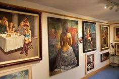 The Leighton Art Gallery near Brewers Quay Weymouth. Original works in oils by artist in residence Martin Leighton ...