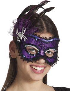 Maschera viola donna ragno Halloween: Questa maschera da donna ragno è di colore viola e presenta dei dettagli veramente preziosi.Essa è rivestita di una sottile rete con effetto ragnatela e reca applicazioni di paillettes... #halloween #maschere #halloweenmaschere