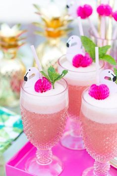How cute is this pink cocktail? Pink Flamingo Punch Cocktail is this summer's most refreshing beverage! Perfect for a day by the pool, bachelorette parties, birthdays, etc. Pool Party Drinks, Party Drinks Alcohol, Cocktail Drinks, Fun Drinks, Cocktail Recipes, Alcoholic Drinks, Pink Cocktails, Summer Cocktails, Pool Party Themes