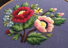 Красная нить – вышивка и рукоделие Hand Embroidery Projects, Hand Embroidery Videos, Hand Embroidery Stitches, Embroidery Techniques, Cross Stitch Embroidery, Embroidery Patterns, Machine Embroidery, Cutwork Embroidery, Crotchet Patterns