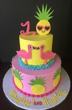 More decorating ideas on albums: Flamingo Party 1 Flamingo Party 2 Luau Birthday Cakes, Luau Cakes, Party Cakes, Birthday Ideas, Flamingo Birthday, Flamingo Cake, Pinapple Cake, Pineapple, Summer Cakes