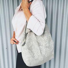 Etsy の Linen tote bag handprinted-Bracken by DeborahDevaalDesign