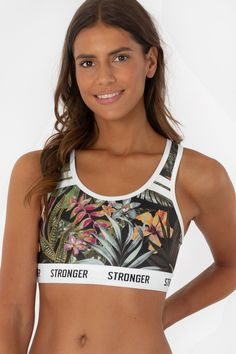 Stronger offers stylish and colorful workout clothing for women. Tights, sport-bras, tops and more with world-wide shipping on our website now! Vietnam, Island Wear, Fitness Inspiration, Style Inspiration, Tribute, Yoga Tops, Sporty Outfits, Facon, Beachwear