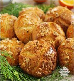Pastanelerde gördüğünüz kocaman portakallı kurabiyelerin aynısı olan bu tarifimizi mutlaka denemenizi tavsiye ediyorum. Turkish Recipes, Ethnic Recipes, Baked Potato, Tiramisu, Biscuits, Food And Drink, Bread, Cookies, Desserts