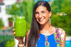 Green Juice for Weight Loss! Jugo Verde para Bajar de Peso! My first video in Spanish! Can you say qué riccco?! :) http://youtu.be/v0P8CmIj8ic