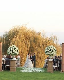 Stunning wedding....love everything about it....