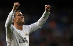 """Cristiano Ronaldo vence pelo 3º ano consecutivo o troféu Di Stéfano, atribuído pelo jornal """"Marca"""" ao melhor jogador do campeonato espanhol."""