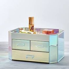 Elle Lacquer Jewelry Display Box | Jewelry Storage | Pottery Barn Teen