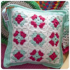 Funda de crochet, $160 en http://ofeliafeliz.com.ar