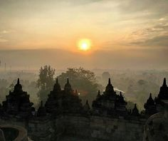 https://www.instagram.com/p/BWNCbtlFF7C/ (Just about) up at 3am this morning to watch the sunrise from Borobudur the worlds largest Buddhist temple  #travel #traveller #travelling #travelblog #travelblogger #travelphotography #travelgram #indonesia #yogyakarta #borobudur #temple #sunrise #sun #beautiful #morning #orange #nature #adventure #explore #wanderlust #instagood #instatravel #iphone #view #climbing #clouds #sky #landscape #asia #lostintheworld  @Regrann from @benmcgregor92