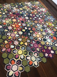 #hexagons #QAYG #jenkingwell #showmethemoda #quiltjane Hexagons, Give It To Me, Romantic, Quilts, Bird, Fruit, Rose, Garden, Home Decor