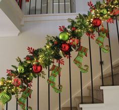 Christmas decorations and christmas decorating ideas for your staircase banister is as easy as it can be when following interior designer rebecca robeson's. Description from althomedecor.tk. I searched for this on bing.com/images