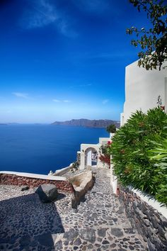 Santorini, Greece - honeymoon or romantic break travel destination