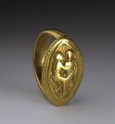 Etruscan gold ring The British Museum