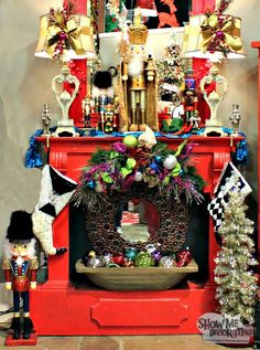Christmas Mantel - Decorate your mantel with collection of nutcrackers!!  #Nutcrackers #christmasdecor #christmasdecorations