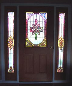 Celtic Stained Glass Front door and side lights. Celtic Stained Glass, Stained Glass Door, Stained Glass Designs, Stained Glass Patterns, Mosaic Glass, Glass Art, Celtic Knot Designs, Glass Front Door, Front Doors
