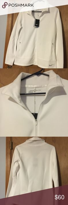 🆕 Nike golf therma-fit sweatshirt!! This Nike golf zip up sweatshirt can be for more that just golf. It is a great items for layering in the cold to keep warm or just enough warmth for a chilling fall night. NO stain or marks super clean! Nike Tops Sweatshirts & Hoodies