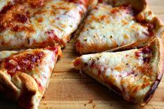 Comfy Cuisine: Pizza Hut Style Pan Pizza