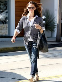 Following a mother-daughter day of fun, Jennifer Garner has things under control while out and about Friday morning in Beverly Hills.