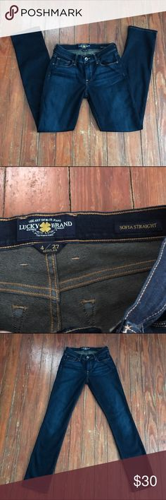 """FINAL PRICELucky Brand Jeans size 4/27 Thank you for looking at my listing!! This listing is for a pair of Lucky Brand """"Sofia Straight"""" Jeans size 4/27, these jeans are in perfect condition! If you have any questions about this item feel free to contact me!! Lucky Brand Jeans Straight Leg"""