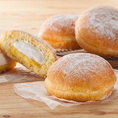 「ホイップ&カスタードドーナツ」は、北海道産の牛乳を使用したホイップクリームとカスタードがダブルで入っています♪コーヒーを飲みながら食べたくなります(^^) http://lawson.eng.mg/df7de