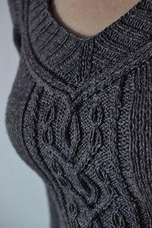 Moyen Age knit sweater pattern by Hanna Maciejewska