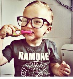 Piccoli ma con i gusti chiari! Abbiamo ogni soluzione! #occhiali #bambini #junior