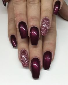 Gel Nails Black Cherry from Lilly Nails with Rose Gold glitter gel from American Nails . Black Cherry from Lilly Nails with Rose Gold glitter gel from American Nails 💣 Fancy Nails, Cute Nails, My Nails, Gold Acrylic Nails, Rose Gold Nails, Sparkle Gel Nails, Sparkly Nails, Rose Gold Gel Polish, Trendy Nail Art