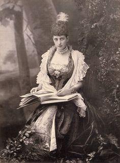 loveisspeed.......: 1887 Queen Alexandra ....