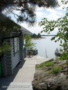 Finnish summer cottage / Kesämökki This looks so serene!