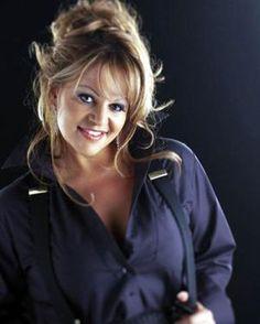Muere la cantante Jenni Rivera.