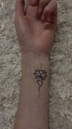 Eating disorder recovery tattoo - New Ideas Cute Henna Tattoos, Henna Tattoo Designs Simple, Henna Tattoo Hand, Flower Tattoo Designs, Hand Tattoos, Sleeve Tattoos, Small Tattoos, Flower Tattoos, Small Henna Designs