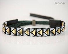 Elegante armband, gouden driehoeken, Beaded jewelry, geweven armband, Miyuki kralen, natuurlijk leder, Art deco, Gift, goud, zwart, wit
