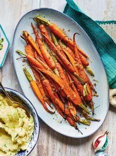 recipes Ginger and Honey-Roasted Carrots Honey Roasted Carrots, Roasted Garlic, Ricardo Recipe, Buffet, Vegan Cauliflower, Ginger And Honey, My Best Recipe, Ayurveda, Vegetable Recipes
