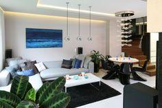 Szary salon: 20 pięknych wnętrz  - zdjęcie numer 8 Sofa, Couch, Furniture, Home Decor, Settee, Settee, Decoration Home, Room Decor, Sofas