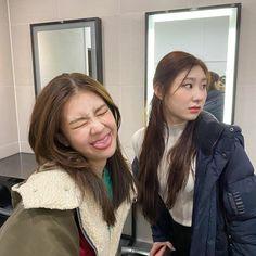 South Korean Girls, Korean Girl Groups, Kpop Anime, Indie Kids, Soyeon, Cute Icons, Kpop Aesthetic, New Girl, Girl Power