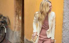Julia Stiles in Riviera