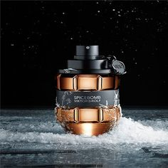 I really like this even though I wouldn't know how to incorporate snow in our photos Diy Perfume Recipes, Best Sparkling Wine, Perfume Making, Essential Oil Perfume, Best Perfume, Perfume Collection, Parfum Spray, Viktor Rolf, Perfume Bottles