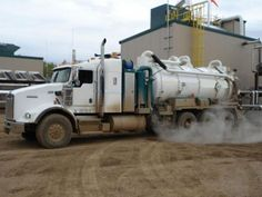 Fort McMurray Oil Field Hydro Vac Vacuum Truck Cleaning Transport Environmental Services | Call Me Vac Inc in Alberta, (780) 799-0791