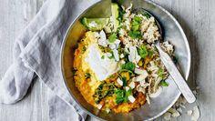 Denne fantastiske dahl laver jeg igen og igen. Den luner dejligt på kolde dage og er sprængfyldt med sunde sager. Her får du opskriften på kokosdahl med frisk grønkål og fuldkornsris Palak Paneer, Foodies, Buffet, Curry, Food And Drink, Vegetarian, Treats, Cooking, Breakfast