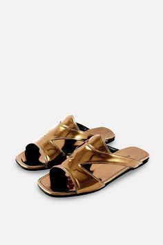 New shoe brand to adore: ALUMNAE. These bronze leather slides will make me feel like Hera.