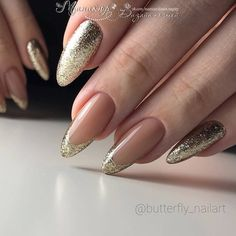 Top 40 Golden Nail Ideas You Must Stunning Gold Nail Art Designs Trends Gold Nail Art designs are nails arts that have golden color nail paint or golden glitter nail paints used on them, for the gold impact. Gold nail polish not solely adds bl Golden Nail Art, Golden Nails, Gel Nail Art Designs, French Nail Designs, Nails Design, Simple Gel Nails, Classy Nails, Nagel Hacks, Glitter Nails