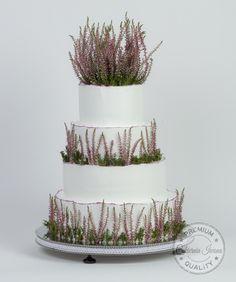 wedding cake by Adrian Zarow Black Wedding Cakes, Beautiful Wedding Cakes, Wedding Cake Centerpieces, Fresh Flower Cake, Flower Cakes, Individual Cakes, Traditional Cakes, Fondant Icing, Cake Trends
