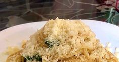 Μακαρόνια βρασμένα στο γάλα !!! Οτι και να σας πώ δεν μπορώ να σας περιγράψω την νοστιμιά τους !!! Σαν καρμπονάρα χωρίς αλλαντικά χωρίς κ... Greek Meals, Greek Recipes, Food Decoration, Noodles, Pasta, Diet, Cooking, Amazing, Macaroni