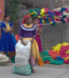 Traje de la la etnia Ch'ort'i en Jocotán, Chiquimula - Foto por Gregorio Henriquez l Sólo lo mejor de Guatemala