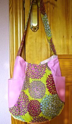 241 Tote bag. Pattern by Anna Graham (Noodlehead).