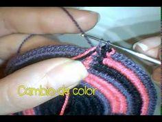 Gasa Wayuu 24 cordones - YouTube Boho Tapestry, Tapestry Bag, Tapestry Crochet, Crochet Case, Diy Crochet, Crochet Handbags, Crochet Purses, Crochet Boots, Rope Crafts