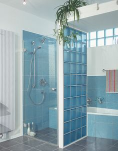 Are Bathroom Remodeling Projects in the United States too big? 9 Tips to make a small bathroom work